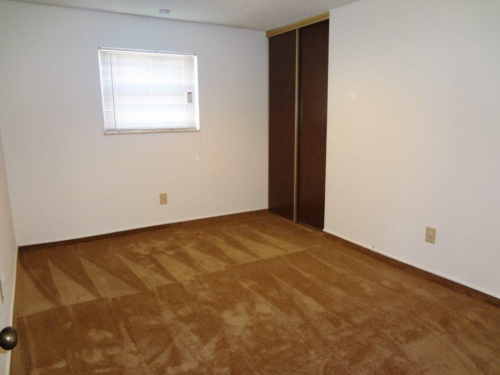 Kansas City apartment: Washita Club bedroom